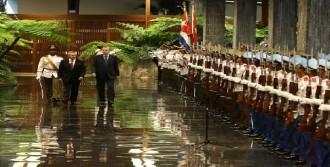 Cumhurbaşkanı Erdoğan, Küba'da Resmi Törenle Karşılandı