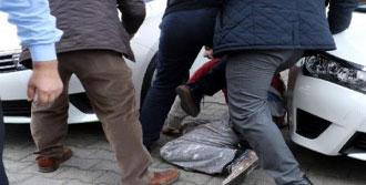 Sokaktaki Gençler Kavga Etti
