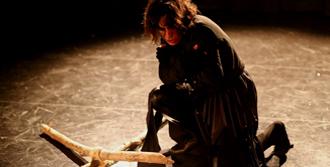 'Hamlet' Sahnelerde