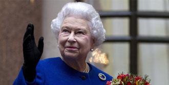 İngiltere Kraliçesi Hastaneye Kaldırıldı
