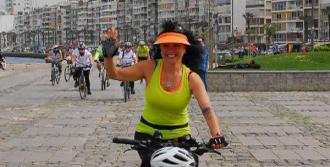 İzmirli Doktorlar Sağlıklı Yaşam İçin Pedal Çevirdi