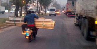 Antalya Kent Merkezinde Tehlikeli Yolculuk