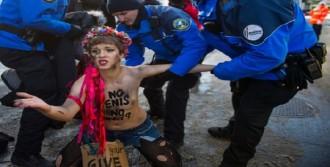 Davos'ta Femen Protestosu
