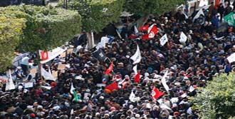 Tunus'ta 'Milyonluk Gösteri'