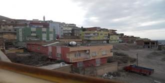 Hendek Kazmak İsteyen PKK'lılar Polisle Çatıştı