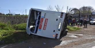 Yolcu Midibüsü Devrildi: 12 Yaralı