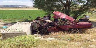 Dinar'da Trafik Kazası: 4 Ölü, 1 Yaralı