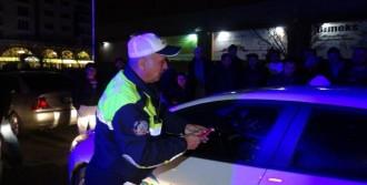 Fenelaşan Sürücü Araçta Kilitli Kaldı