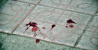 Adliye Önünde Kanlı Kavga: 4 Yaralı