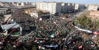 'Peygambere Saygı' Mitingine 100 Bin Kişi Katıldı