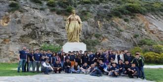 Doesef'in Yabancı Konukları Efes'i Gezdi