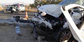 Düğün Dönüşü Kaza: 1 Ölü, 12 Yaralı