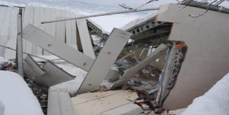 Düğün Salonunun Çatısı Çöktü