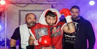 Dünya Şampiyonluğu İçin İstanbul'da Ringe Çıkmak İstiyor