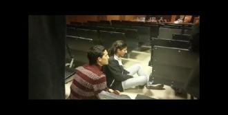 Oturma Eylemi Yapan 2 Kişi Gözaltında