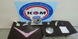 Düzce'de Uyuşturucu Satıcısı Tutuklandı