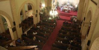 Hz. İsa'nın Doğumunu Ayinle Kutladılar