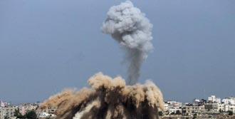 Gazze'ye Ölüm Yağıyor
