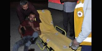Kavgada Boğazına Saplanan Bıçakla Hastaneye Kaldırıldı