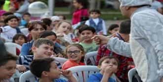 Buca'da Tiyatro Çadırdan Sokaklara Taşacak