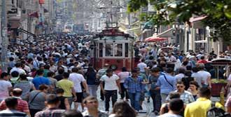 Türkiye'nin Yüzde 61'i 'Mutlu'