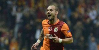 Sneijder Gole Doymuyor