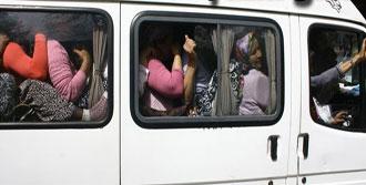 15 Kişilik Minibüse 40 Bohçacı Kadın!