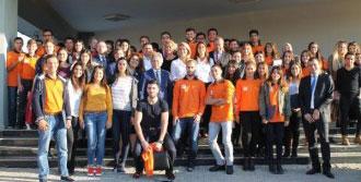 150 Öğrenciye Liderlik Eğitimi