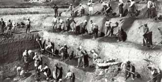 Osmanlı Arşivlerinde Efes Kazıları