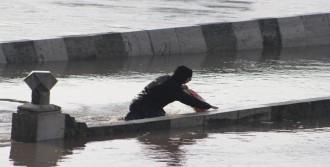 'Nehirlerde Debi Düşüyor'