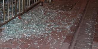 Edremit'te Üç İşyerine Silahlı Saldırı