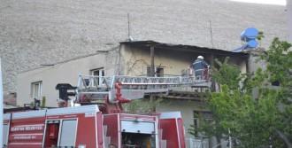 Elbistan'da Metruk Binada Yangın
