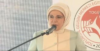 Emine Erdoğan: 'Mülteci Meselesi Ekonomik Ve Siyasi Bir Mesele Değil'