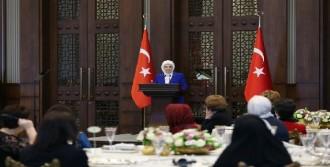 Emine Erdoğan: Müslümanın Terörle Alakası Olamaz