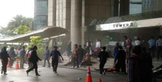 Borsa Binasının Bir Katı Çöktü