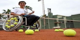 Engelli Tenisçi Oğuzhan Türkiye'yi Teslim Edecek