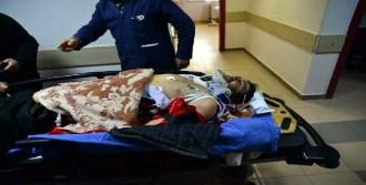 Traktörün Şaftına Takılan Kişi Yaralandı