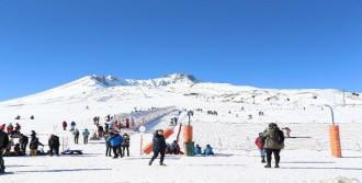 20 Bin Kayakseveri Ağırladı
