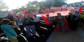 Ereğli'de Bayrağa Saygı Yürüyüşü