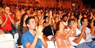 33 Yıl Sonra Konser Verdi