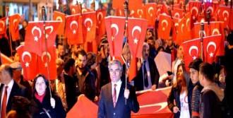 Erzurum'da Cumhuriyet Yürüyüşü