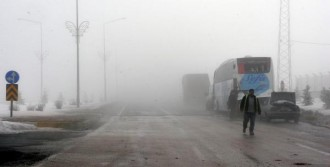 Erzurum'da Hava Ulaşımını Sis Vurdu