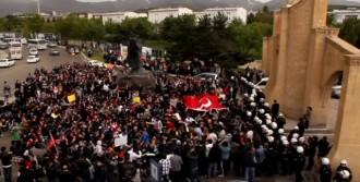 Erzurum'da Yürüyüşe Müdahale Edilmedi