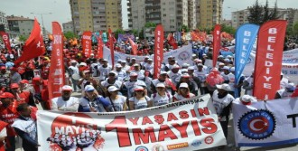 Eskişehir'de İki Ayrı Alanda 1 Mayıs Kutlaması