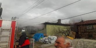 Evinde Çıkan Yangın Sırasında Kalp Krizinden Öldü