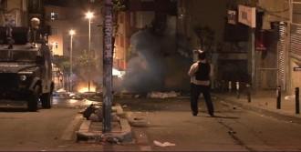 Eylem Sonunda Göstericiler İle Polisler Birbirine El Sallayıp Dağıldı