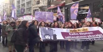 Eylemci Kadının Kafasına Kalas Düştü