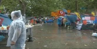 Eylemciler Güne Yağmurla Uyandı