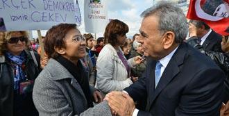 İzmirli Kadınlardan 8 Mart Çıkışı