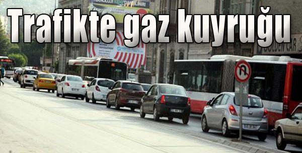 Trafikte Gaz Kuyruğu